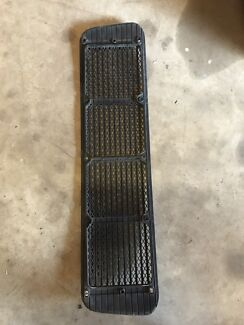 Rear porsche 911 engine grill