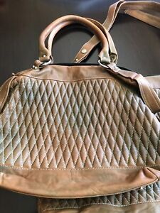84be7aff9b Danier Leather Tote | Buy or Sell Women's Bags & Wallets in Ontario ...