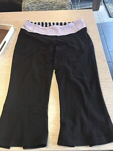 Size 10 lululemon crops with split seam at calf