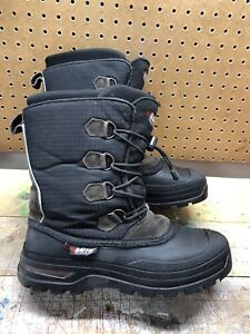 Boys size 8 Winter Boots