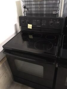 2 years old Samsung glass top stove