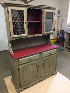China Cabinet / Dining Hutch