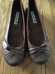 Brown flats American eagle size 9.5