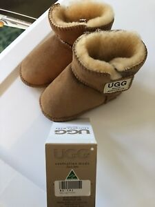 NWT Uggs baby size Large