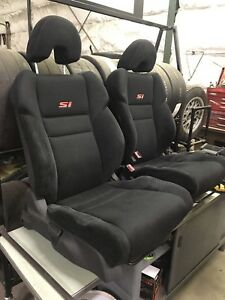 Civic Si seats.