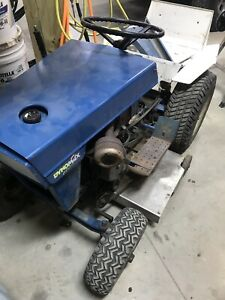 1969 Ford 100 Lawn Tractor