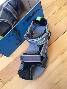 Brand New Teva Sandals youth size 3