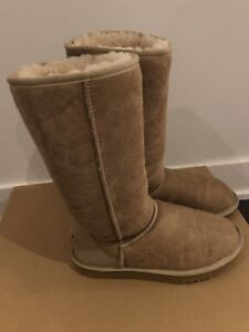 Bottes UGG boots (size 8)