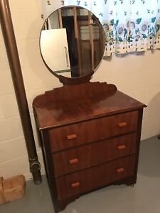 Dresser. Antique