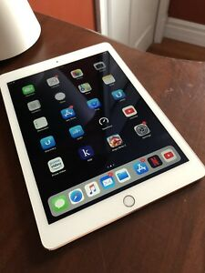 Rose Gold iPad Air 2 16GB + Cellular