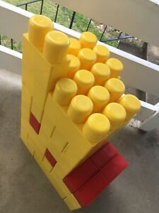 Large building blocks $10 the lot
