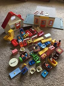 HUGE vintage and newer lot of PLAYMOBiL