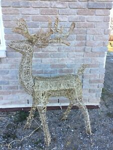 5ft grapevine reindeer