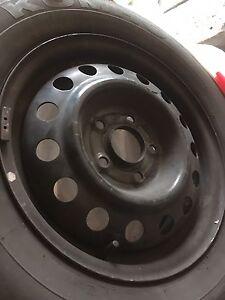 Rims et pneu Hyundai 195/65r15