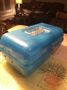 Caboodles 2622 Blue Glitter Makeup Case Mirrored Vanity