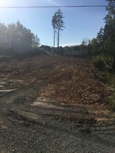 Cleared lot ready to build to water!