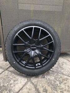 4 pneus hiver Pirelli 225/45r17 avec mags Touren