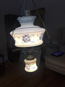 Gorgeous chandelier with beautiful details in amazing condition