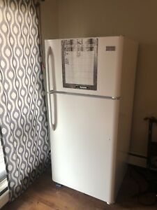 Home fridge $50