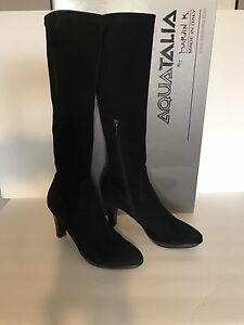 AQUATALIA SUEDE BOOTS WOMENS SIZE 7.5