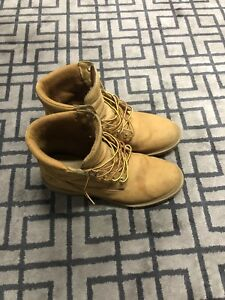 "Timberland Basic 6"" Boot (Wheat colour) Size 9 US"