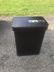 Voice controlled Trash Can