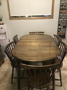 Table, 6 chairs and marching hutch