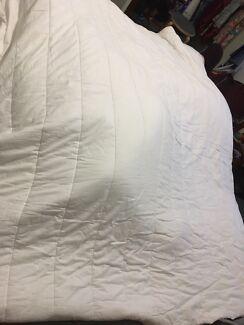 Queen size light Tontine quilt