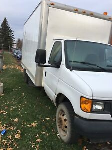2005 Ford 16ft Super Duty Diesel Dually Cube Van