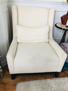 2 chaise d'appoints avec cousins - 2 accent chairs with pillows