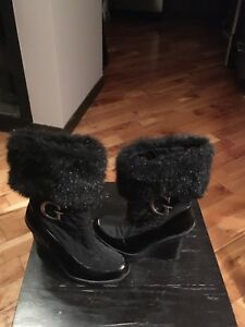 Guess winter wedge boots