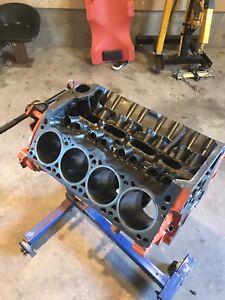 Mopar/Dodge/Chrysler 318 engine