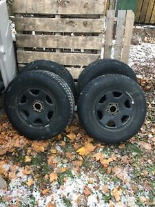 Ford Escape 16 inch winter rims with tpms