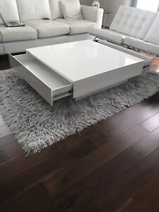 Coffee table/ centre table