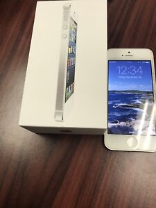 iPhone 5 32gb rogers white