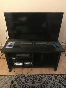 "TV (39"") + TV Stand + Coffee Table"