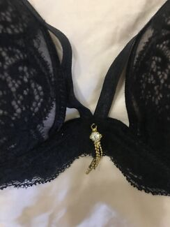 Negotiable black lace bra with bows