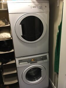 BLOMBERG electric Apartment Washer / Dryer Set