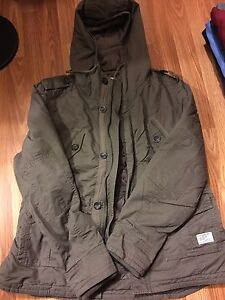 SELLING A SIZE LARGE WOMANS SPRING JACKET ***MINT***