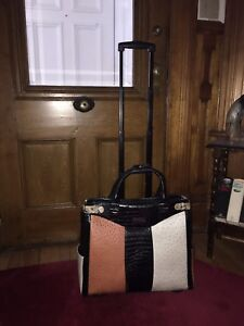 Virtually NEW! Classy wheeled travel bag/briefcase