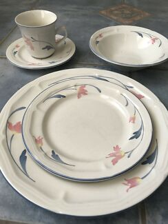 Vintage china dinner set dinnerware gumtree australia morphett dinner set avonlea china fandeluxe Image collections