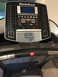 NORDICTRACK C900i TREADMILL FOR SALE!!!! EXCELLENT CONDITION!!!