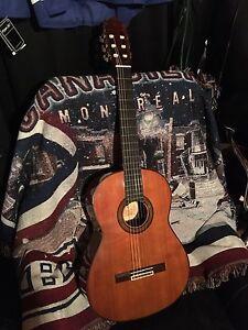 Guitare classique Yamaha fin 70