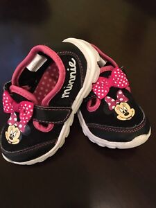 Minnie Mouse shoes - 6