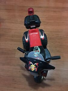 Kids electronic battery operated motor tricycle Westmead Parramatta Area Preview
