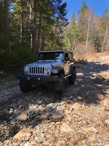 2011 Jeep JK, LOW KM'S!!