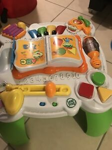 Leap Frog Play and Learn Centre