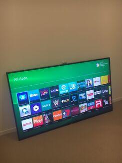 Huge 70 Inch Sony UHD 4K Smart 3D TV