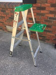 4' step ladder.