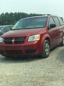 2008 Dodge Grand Caravan *Stow  and Go*